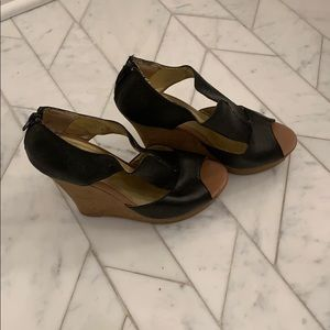 Seychelles black wedge cutout sandal